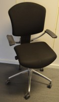 Savo Ikon, kontorstol i sort stoff med armlene, pent brukt