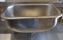 Utslagsvask i rustfritt stål fra Intra, 48,5cm bredde, pent brukt