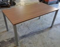 Kompakt skrivebord i valnøtt fra König Neurath, 150x75cm, pent brukt
