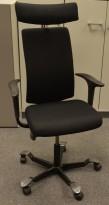 Håg H05 5600 kontorstol med nakkepute og swingbackarmlener, nytrukket i sort