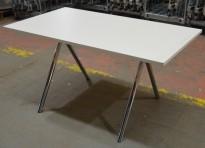 Skrivebord / kompakt møtebord i hvit / krom, 140x80cm, pent brukt