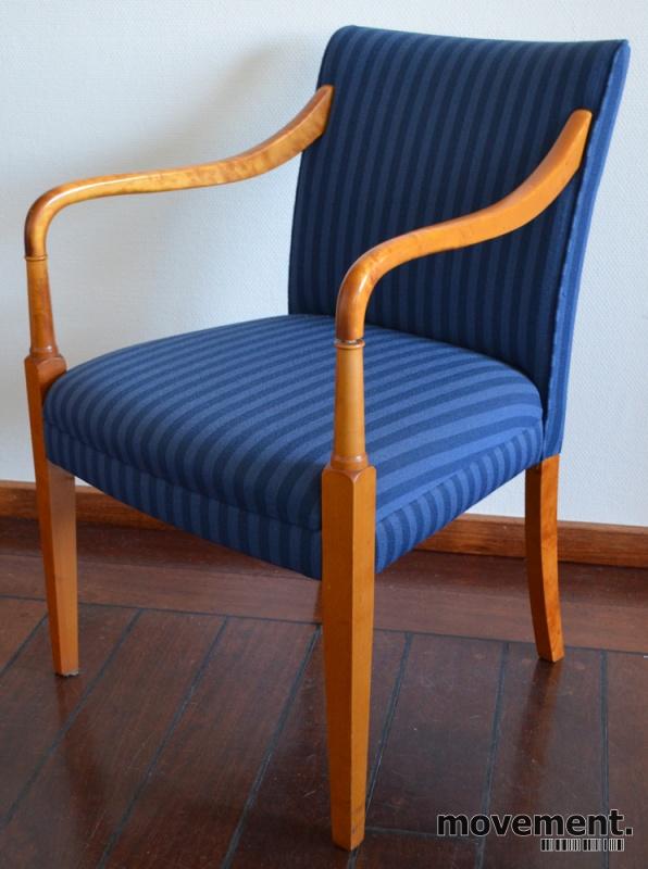 Alvorlig Hødnebø stol i blått stoff / gyldenbjerk, loungestol / besøksstol TC-97