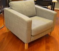 1-seter / loungestol fra IKEA, Karlstad i grått stoff / bjerk, bredde 90cm, pent brukt