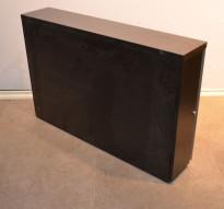 Tårnskap / skuff for småoppbevaring i sort fra Ragnars, venstre, bredde 20cm, høyde 65cm, dybde 98cm, pent brukt