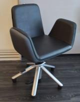Frisørstol med justerbar høyde på hjul fra Welonda, sort skinnimitasjon, pent brukt