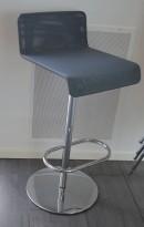 Barkrakk / barstol i krom / grå mesh, høyde 78cm, svingbar, pent brukt