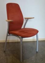 Kinnarps Plus 375 konferansestol i rustrødt med bjerk armlene, pent brukt