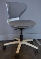 Sedus Turn Around kontorstol i grått stoff / hvitt, pent brukt