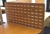 Bordskillevegg i bøk finer, 100x68cm, pent brukt