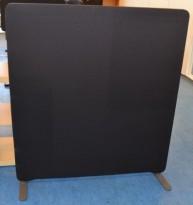 Skillevegg fra Lintex i sort, 135cm høyde, 120cm bredde, pent brukt