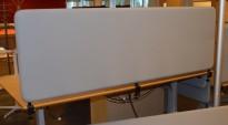 Bordskillevegg i grått, støydempende, 180x60cm, pent brukt