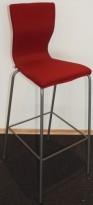 EFG Graf barstoler i rødt / alugrått, sittehøyde 77cm, pent brukt