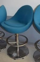 Barstol fra Johanson Design, mod Venus i turkisgrønt stoff, 62cm sittehøyde, pent brukt