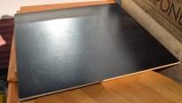 Bordplate til kafebord: 70x70cm i sort finer, fasettert kant, brukt