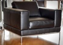 Loungestol i sort skinn, modell Arild fra Ikea, 1seter, 94cm bredde, pent brukt