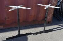 Bordunderstell for kafebord i stål, sort, for plate 140cm eller større, 72,5cm høyde, pent brukt
