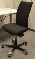 Håg H05 5500 kontorstol uten armlener, nyoverhalt og nytrukket sort.