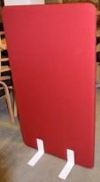 Frittstående skillevegg i rødt, med hvite ben, 80cm bredde, 140cm høyde, pent brukt