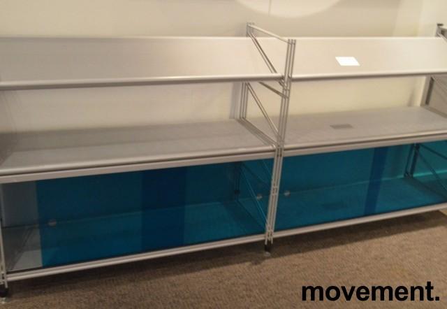Caimi Socrate designskap / skjenk i grålakkert metall med skyvedører i blå plexi, 2H, bredde 195cm, pent brukt bilde 1