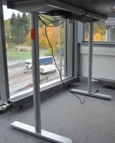 Understell til skrivebord med elektrisk hevsenk fra Linak, bredde 160cm, pent brukt
