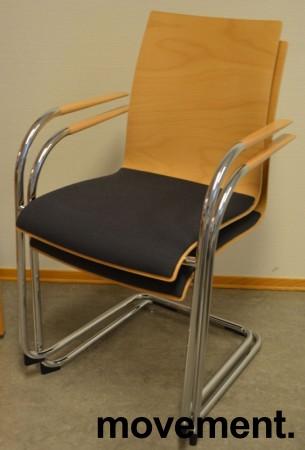 Konferansestol / stablestol fra Brunner i bøk / mørk grått stoff / krom, pent brukt bilde 3
