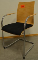Konferansestol / stablestol fra Brunner i bøk / sort stoff / krom, pent brukt