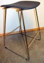 Barkrakk / barstol fra Randers+Radius i grått/krom, mod: Sharp, 69,5cm sittehøyde, pent brukt