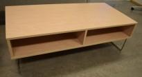 Loungebord / Sofabord i bjerk laminat / krom understell, 130x64cm, 42cm høyde, pent brukt