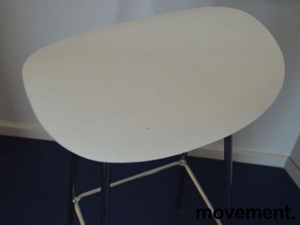 Barkrakk / barstol, Cornflake fra OFFECCT, hvit / krom, 82cm høyde, pent brukt bilde 3