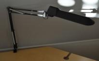 Luxo skrivebordslampe T88/T87 i sort, pent brukt