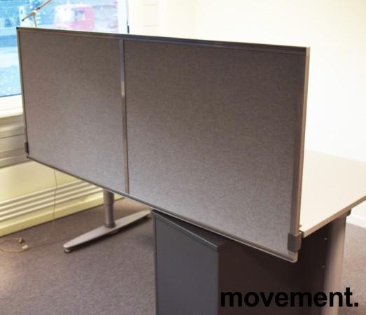 Kinnarps Rezon 160cm bred, grå bordskillevegg til kontorpult, 65cm høyde, pent brukt bilde 2