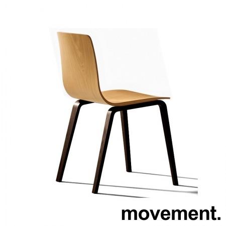 Lekker konferansestol fra Arper, modell Aava, Eik sete, sorte ben, Design: Kotilainen, NY/UBRUKT