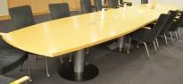 Møtebord / konferansebord i bjerk, 660x120cm, passer 22-24 personer, pent brukt