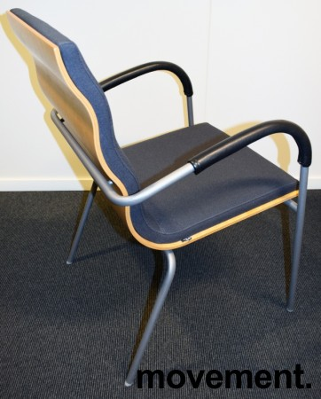 Konferansestol fra EFG, modell Billow, i grått stoff / bjerk, pent brukt bilde 2