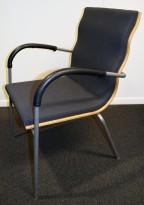 Konferansestol fra EFG, modell Billow, i grått stoff / bjerk, pent brukt