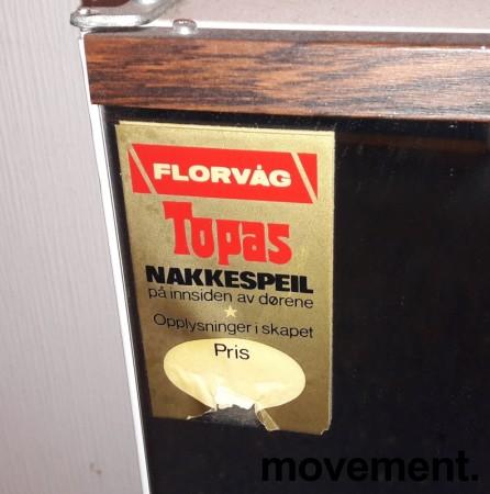 Lite, vintage / retro baderomsskap med speil og palisanderdekor, 60-talls, pent brukt bilde 3