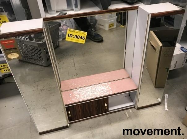 Lite, vintage / retro baderomsskap med speil og palisanderdekor, 60-talls, pent brukt bilde 1