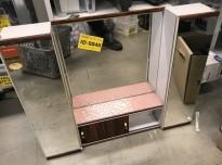 Lite, vintage / retro baderomsskap med speil og palisanderdekor, 60-talls, pent brukt