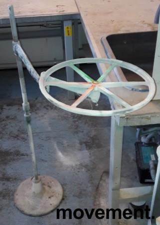 Gulvstående stativ for lakkering av mindre modeller / gjenstander, brukt