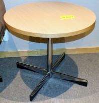 ForaForm Planet loungebord i eik med krom fot, Ø=60cm, Design: Dysthe, H=50cm, pent brukt