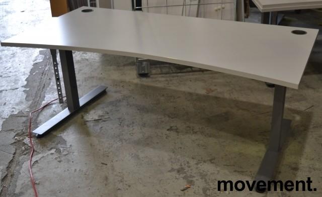Skrivebord i lys grå fra EFG, 160x90cm, mavebue, pent brukt bilde 2