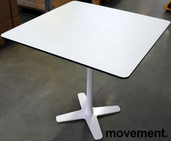 Lekkert loungebord / lite, kvadratisk møtebord 75x75cm, Offecct, hvit bordplate med sort kant, hvitt understell, H=71cm, pent brukt bilde 1