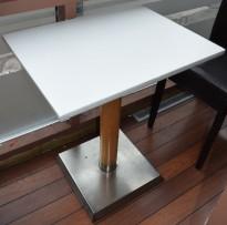 Kafebord med 65,5x50cm bordplate, 75cm høyde, bordplaten egner seg best for bruk med duk