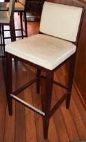 Barkrakk / barstol, i solid treverk, trukket i beige stoff, 77cm sittehøyde, pent brukt