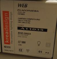 Taklampe / plafond fra KreaDesign, modell A11035 Web, gul base, TR IP NY I ESKE