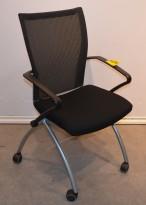 Konferansestol på hjul i sort stoff / mesh fra Haworth X99, pent brukt