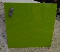 Whiteboard i glass fra Lintex, 100x100cm, grønt glass, magnetisk, pent brukt