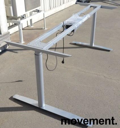 Grått elektrisk hevsenk-skrivebord / understell til skrivebord fra Svenheim, venstreløsning, 185cm bredde, passer plate 200x120cm, pent brukt bilde 2