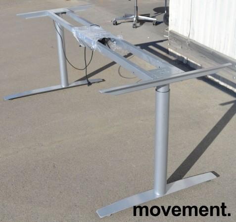 Grått elektrisk hevsenk-skrivebord / understell til skrivebord fra Svenheim, venstreløsning, 185cm bredde, passer plate 200x120cm, pent brukt bilde 3