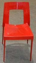 Must by BF plaststol / skallstol / stablestol i rødt, pent brukt